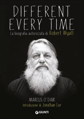 libro-different-every-time-la-biografia_02