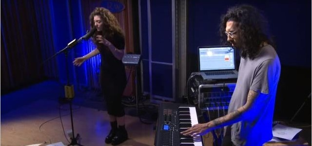live-lorde-royals_01
