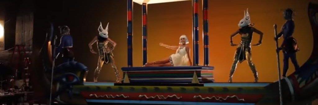 Katy Perry - Dark Horse (Behind The Scenes)
