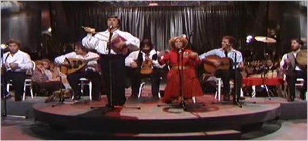 NCCP Nuova Compagnia di Canto Popolare - Tammurriata Nera (Live)