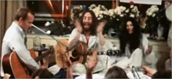 The Plastic Ono Band - Give Peace A Chance (Documentario)
