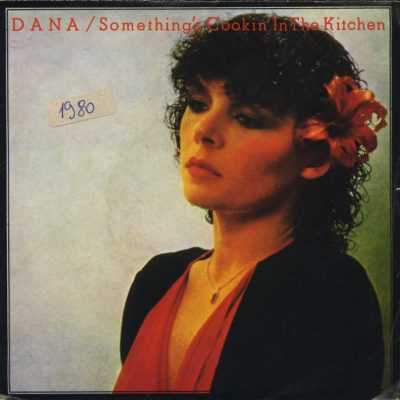 Dana - Something's cookin' in the kitchen