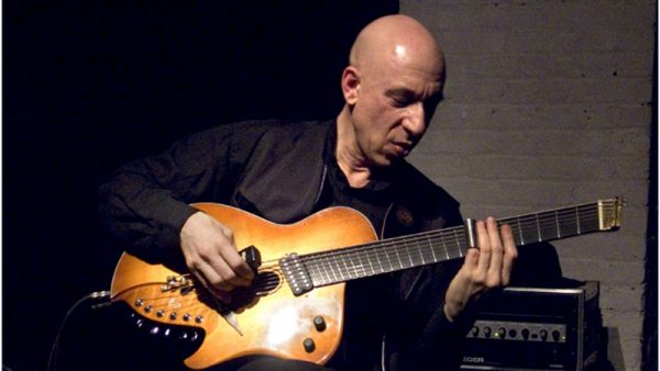 "Elliott Sharp e la sua ""IrRational Music"" a Milano per un reading tra tra rock e avanguardia"