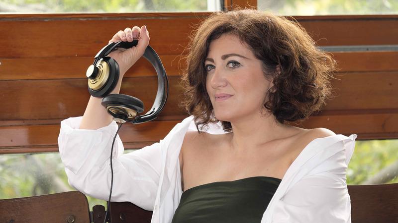 """Lucia Minetti presenta il suo nuovo album """"Heart / Strings"""""""
