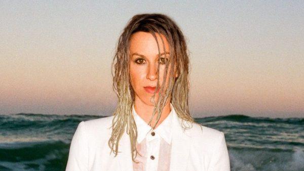 """Il nuovo album di Alanis Morissette: """"Such Pretty Forks In The Road"""""""