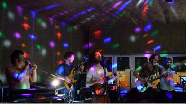 """""""Heroes"""": 34 artisti live dall'Arena di Verona a sostegno dei lavoratori della musica"""