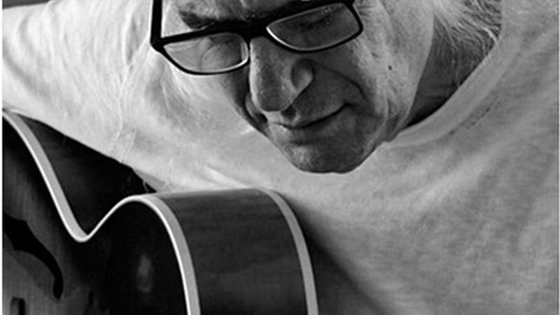 Il mistero che trasforma la musica in emozioni. Franco Mussida in mostra