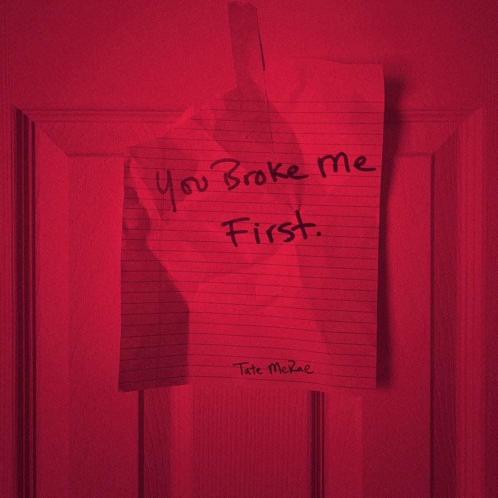 """Tate McRae, la voce della hit """"You Broke Me First"""", arriva in Italia"""