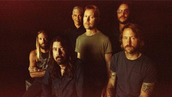 """I Foo Fighters hanno annunciato il nuovo album: """"Medicine at Midnight"""""""