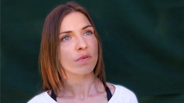 """Loredana Errore festeggia i 10 anni di carrierra con il disco """"C'è vita"""""""