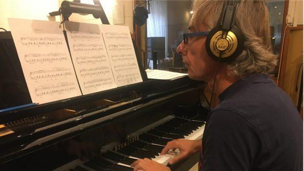 Esce Refractions: solo piano per Paolo Vivaldi