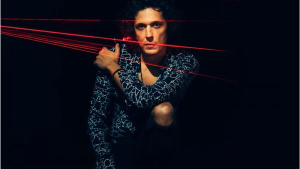 """Ermal Meta pubblica """"No Satisfaction"""". Il nuovo singolo in radio e negli store digital"""
