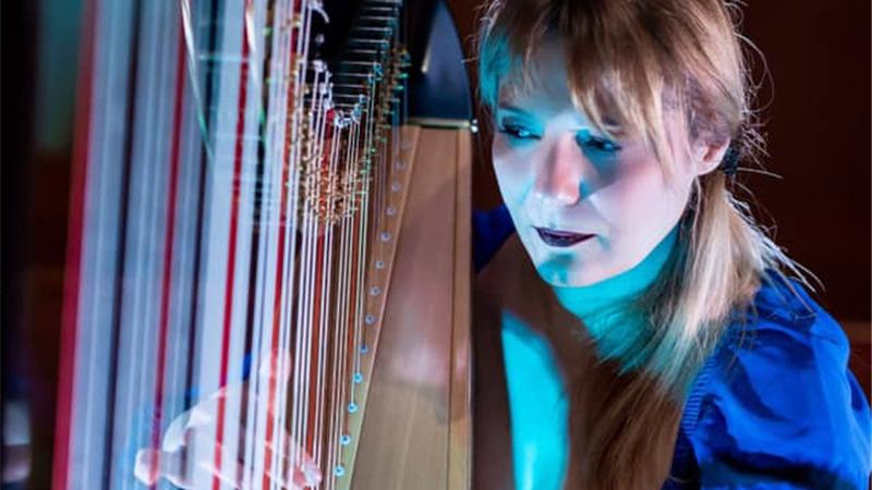 Floraleda Sacchi rilegge Ludovico Einaudi - Concerto in streaming con audio 3d