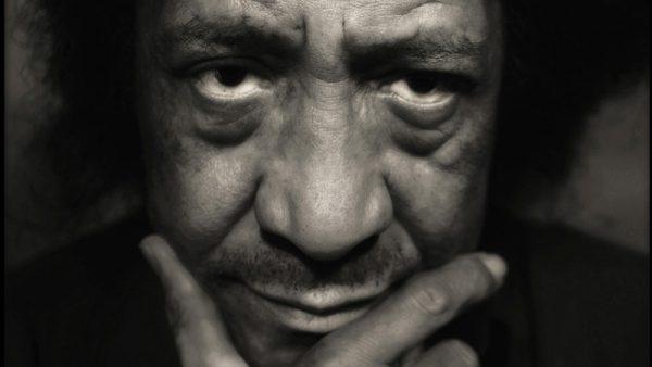 Augusto De Luca fotografo, performer, avvocato, collezionista e musicista