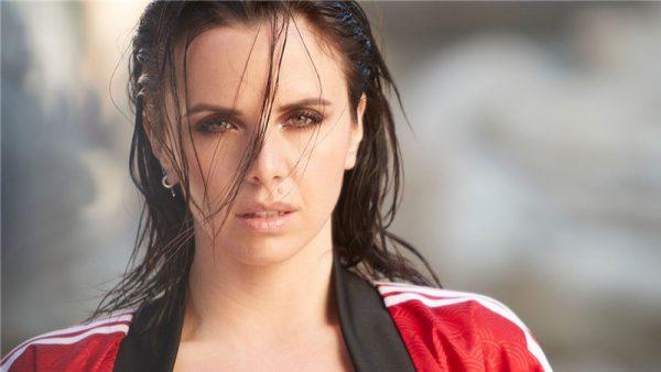 """In radio il nuovo singolo """"Evergreen"""" di Denise Faro"""