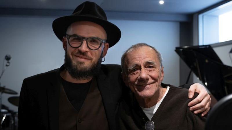 """Paolo Simoni in radio e in digitale """"L'anima vuole"""" con la partecipazione di Roberto Vecchioni"""
