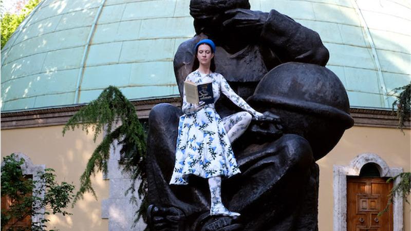 """""""Psicomagia"""" è il secondo singolo della cantante e designer lituana Popa"""