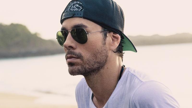 """Enrique Iglesias: in radio e in digitale """"Me pasé"""" feat. Farruko"""