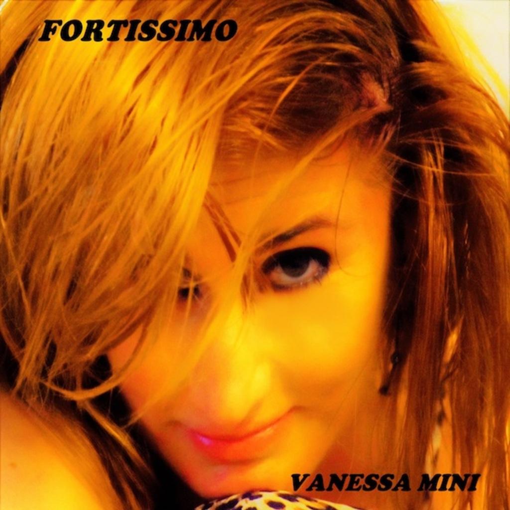 "Vanessa Mini reinterpreta ""Fortissimo"" (Rita Pavone)"