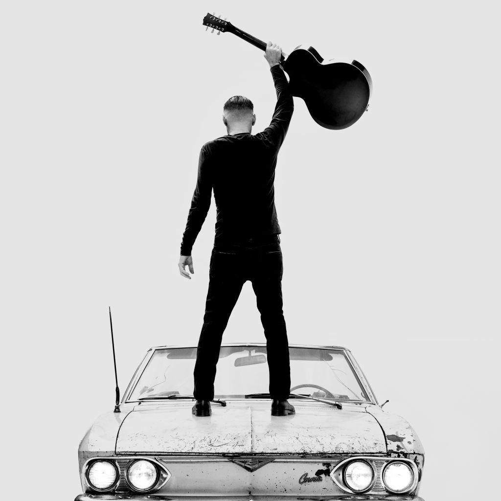 """Bryan Adams torna con il nuovo album """"So Happy It Hurts"""""""